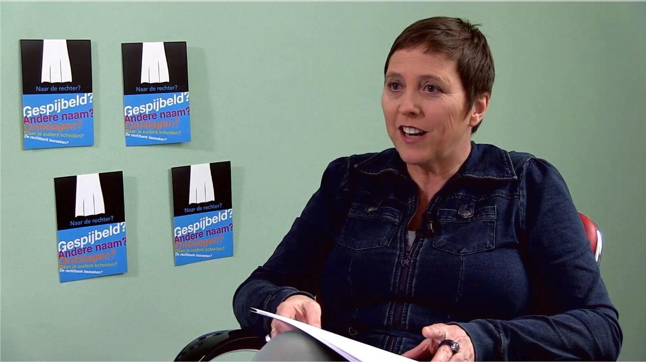 drs. Greet Meesters houdt een interview