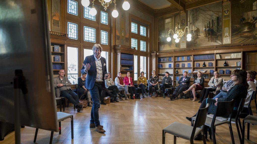 symposium 'Moderne Bestuursrechtspraak' zaal